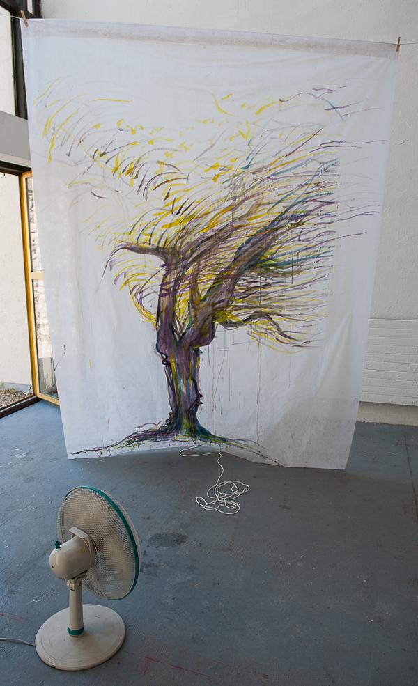 peinture-arbre-vent-ventilateur-voile-dhivernage-suspendu